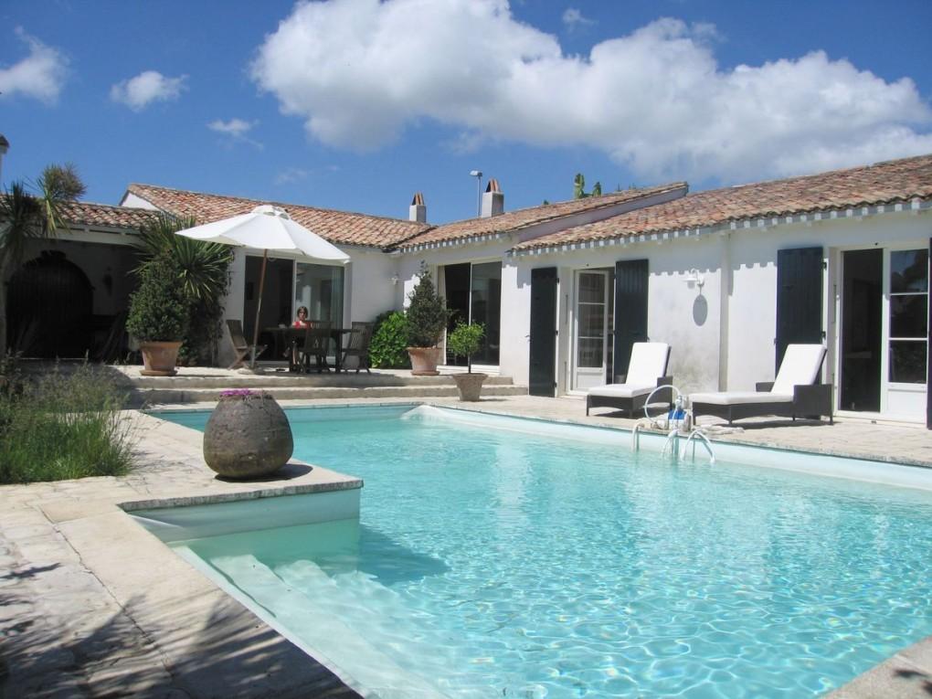 charmant Ars-en-Ré : joli village à visiter lors de séjour vacances sur lu0027île de ré